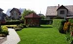 Andrejkin dom - Upravená záhrada s altánkom